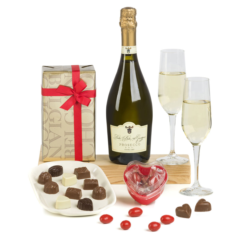 Romantic Wine gifts for Valentines